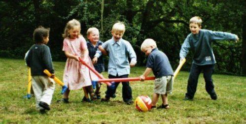 kids-playing-outside_1